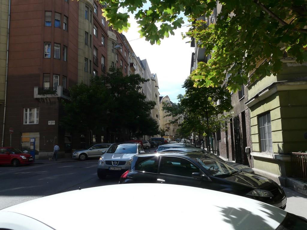Lágymányasi utca