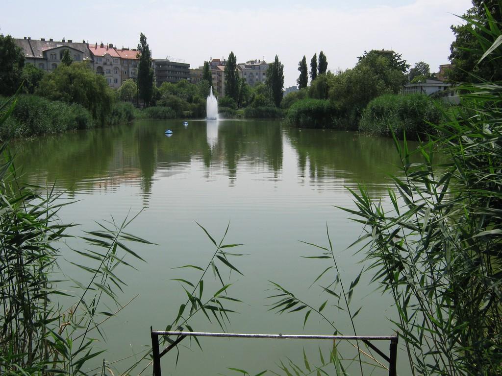 A Feneketlen-tó